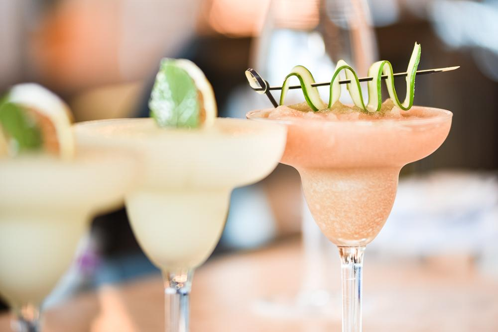 An image of two daiquiri cocktails.